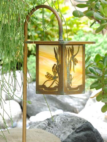 Dragonfly Garden Lantern (Flat Roof/Curved Stake)