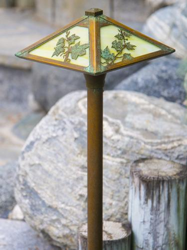 English Ivy Pathway Light - New Verde