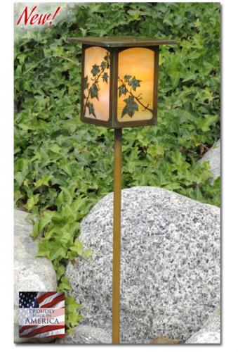 English Ivy Garden Lantern (Flat Roof/Straight Stake)