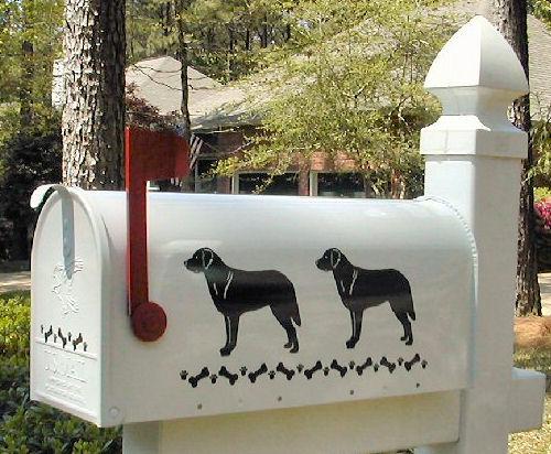Chesapeake Bay Retriever Dog Mailbox