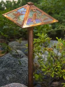 Hummingbird Garden Path Light - Old Penny/Gold Iridescent